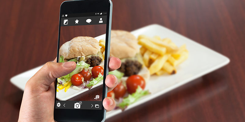 Cafes, Restaurants Can Use Social Media To Improve Business