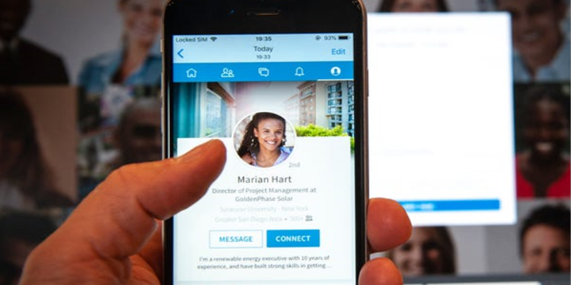LinkedIn May Soon Provide the Option to Add URL Links into Your LinkedIn Stories
